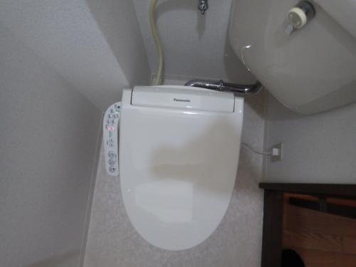 狭小トイレに洗浄便座取付
