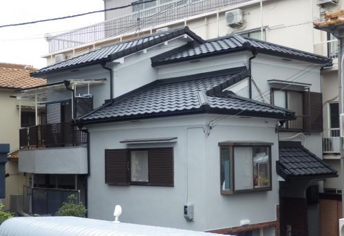 軽量なのに重厚感のある屋根材で葺き替え