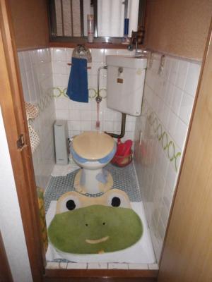 節水トイレ&断熱パネルで快適空間にリフォーム