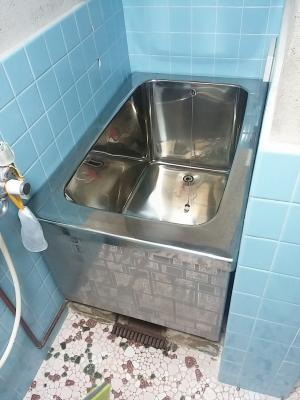 特殊な浴室をユニットバス風にリフォーム