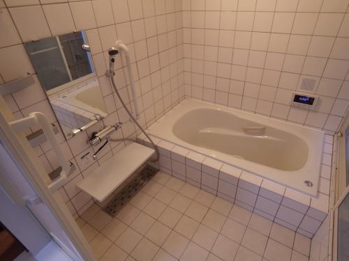 在来浴室をリフォーム デザインを損なわず使い勝手を向上させました