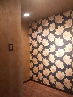 壁紙の張り替えで個性的な空間にリフォーム