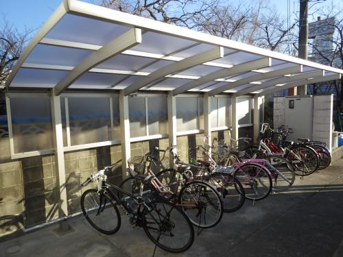 賃貸マンションの自転車置場をリニューアル