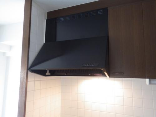豊中市でキッチン レンジフード 換気扇を取り替えました