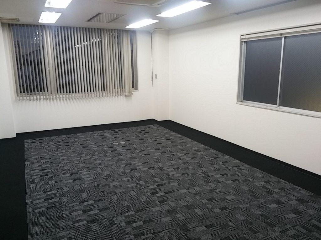 オフィスのタイルカーペット張替え